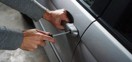 come comportarsi in caso di furto dell'auto